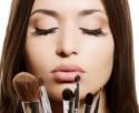 Wew, Spons & Kuas Make-up Sebabkan Jerawat